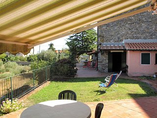 3 bedroom Villa in Monte Marcello-Zanego, Liguria, Italy : ref 5443837