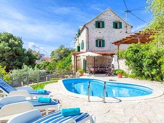 3 bedroom Villa in Sumartin, Splitsko-Dalmatinska Županija, Croatia : ref 563606