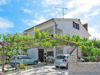 2 bedroom Apartment in Pjescana uvala, , Croatia : ref 5439492