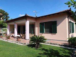 2 bedroom Villa in Diano Castello, Liguria, Italy : ref 5443913