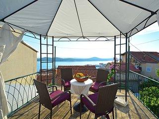 2 bedroom Villa in Sibenik, Sibensko-Kninska Zupanija, Croatia : ref 5533460