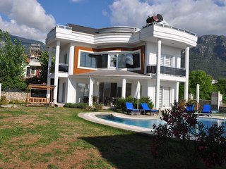 Angel Valley A - 4 Bedrooms Private luxury Villa