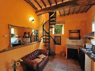 2 bedroom Apartment in Buonconvento, Tuscany, Italy : ref 5242084