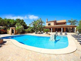 6 bedroom Villa in Cala d'Or, Balearic Islands, Spain : ref 5636012