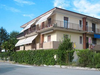 2 bedroom Apartment in Lazise, Veneto, Italy : ref 5438703
