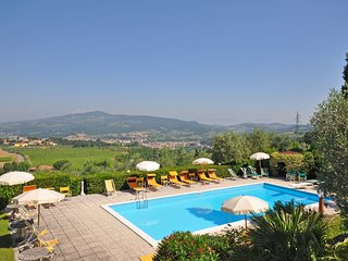 2 bedroom Apartment in Bobolino, Tuscany, Italy : ref 5239867