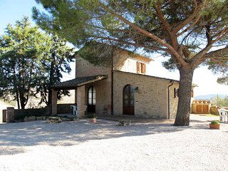 2 bedroom Villa in Volterra, Tuscany, Italy : ref 5446594