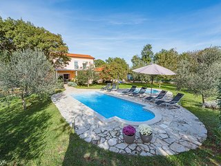 3 bedroom Villa in Pavicini, Istria, Croatia : ref 5636175