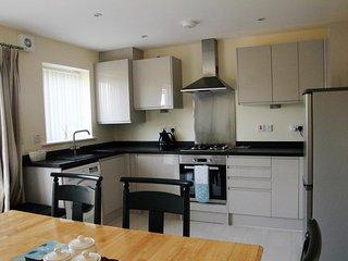 Bright Modern House Beside Snowdonia