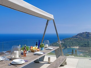 Begur Villa Sleeps 7 with Pool and Air Con - 5635875