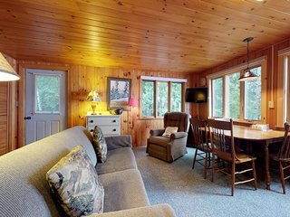 Cozy lakefront cottage w/ dock, mountain views, peaceful location and more!