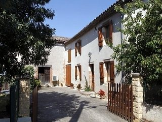 Rental Gite Labastide-de-Levis, 4 bedrooms, 8 persons