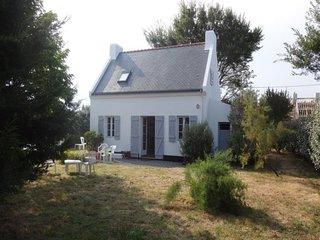 Maison avec jardin clos, située à Bortentrion et à 1 Km de Sauzon.