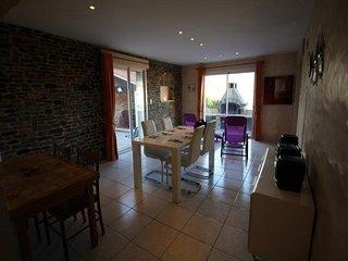 Villa F5, terrasse, garage, quartier calme et plat