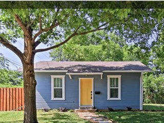 Charming home is historic neighborhood located close to all Dallas has to offer!