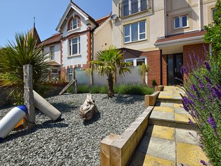 Beautiful Modern Townhouse - great location in Llandudno