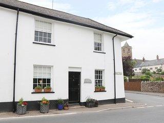 WILLOW COTTAGE, WiFi, East Devon AONB, centre of Otterton, Ref 963543
