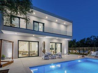 Elia Luxury Villas