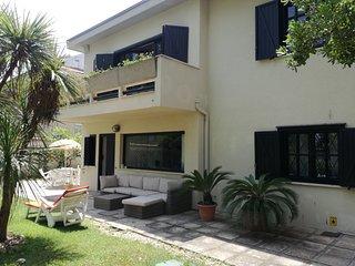 1° piano villa al mare nel centro dell'area del turismo estivo