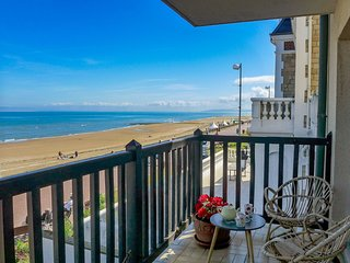 1 bedroom Apartment in Cabourg, Normandy, France : ref 5545993