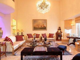 Royal Riviera Residence