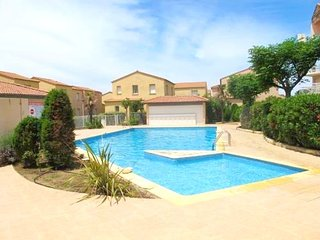 Nice villa with pool access