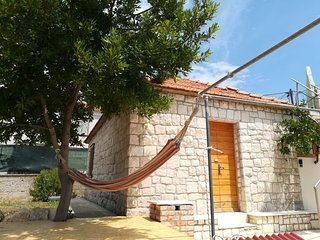 Villa Frida / Dalmatian Stone House