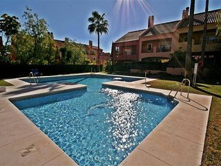 Luxury Cosy 3 bedroom Townhouse in Marbella Golden Mile very close to the beach