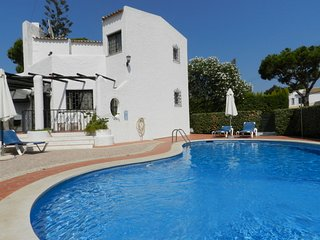 Villa Amber, 3 Bedroom Villa with Pool in Vilamoura