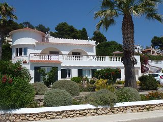 Fabulous 5 star villa, 5 bedrooms, , with pool, jacuzzi and panoramic sea views