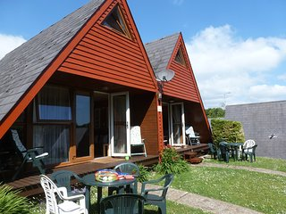 Chalet 68 KIngsdown Park WiFi included, minutes to beach, pubs and castles