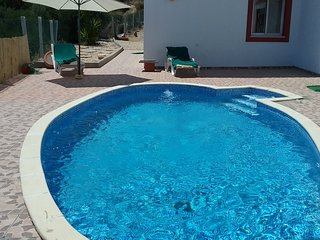 Big Villa with swiming pool and snooker, Wi-Fi