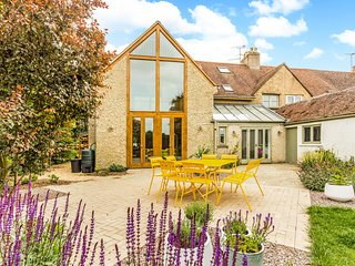 Perfect family home, excellent location to explore the Cotswolds!
