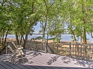 NEW! Waterfront Lake Pepin Cottage w/ 2 Decks!