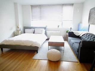 Stylish and Spacious studio in a Prime \W Chelsea