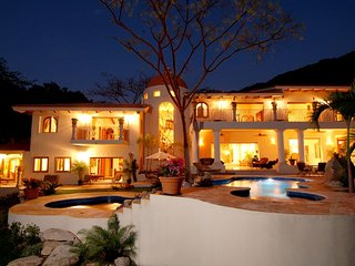 Incredible villa with stunning views, modern layout , elegant decoration!