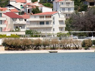 Two bedroom apartment Marina (Trogir) (A-5968-b)