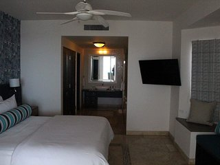 Medano Beach executive suite with private hot tub