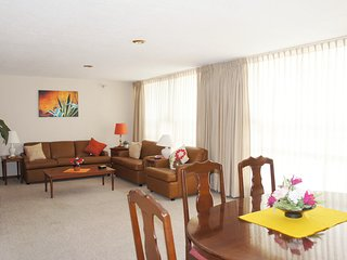 Comfortable & well-appointed 2-bedroom apt, near the WTC & La Condesa