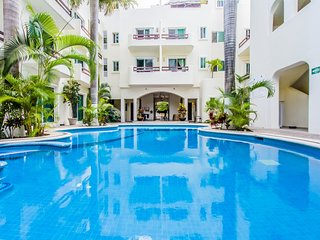 Playa Kaan unit 19, Great Popular Location, 3.5 blocks to the Beach