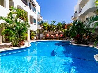PK14 - Pool view 2 Bed 2 Bath - Downtown Playa Del Carmen