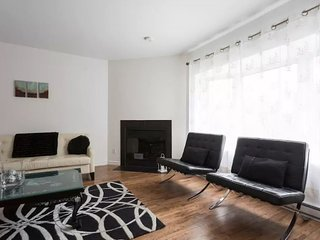 4 Bdrm House Downtown Montreal