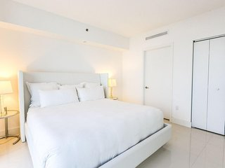 NEW! Gorgeous Unit Available in Brickell