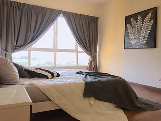 Luxurious Suites for Couple, Fully Seaview, Tastefully Furnish, Near to airport