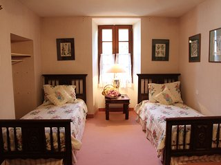 Second Bedroom with Twin Beds, upstairs