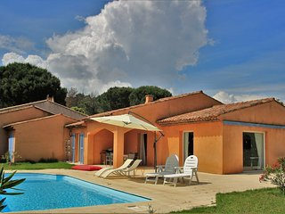 Villa de la Desirade with pool, airco and big private garden