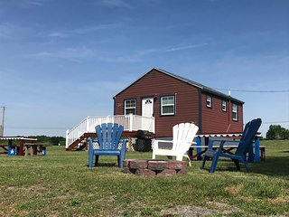 Thousand Islands Waterfront Cottages for Rent on Protected Bay on Lake Ontario