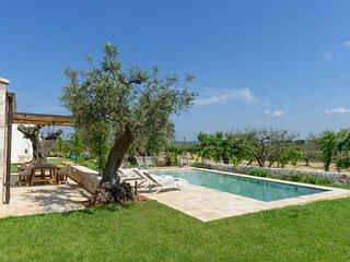L'Aia di Cucumo: la Lamia - semi-detached apartment with shared pool