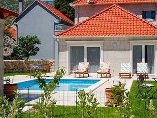 3 bedroom Villa in Zupa, Splitsko-Dalmatinska Zupanija, Croatia : ref 5635682
