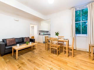 Comfortable Liverpool Street Home by Shoreditch